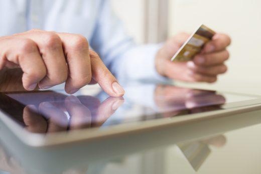 Male hand digital plastique card computer e-commerce